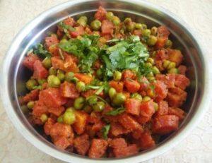 गाजर मटर की सब्जी