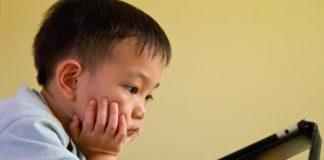 बच्चे का नाम क्या और कैसे रखें